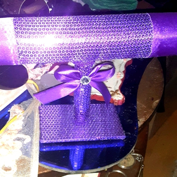 Bracelet jewelry holder